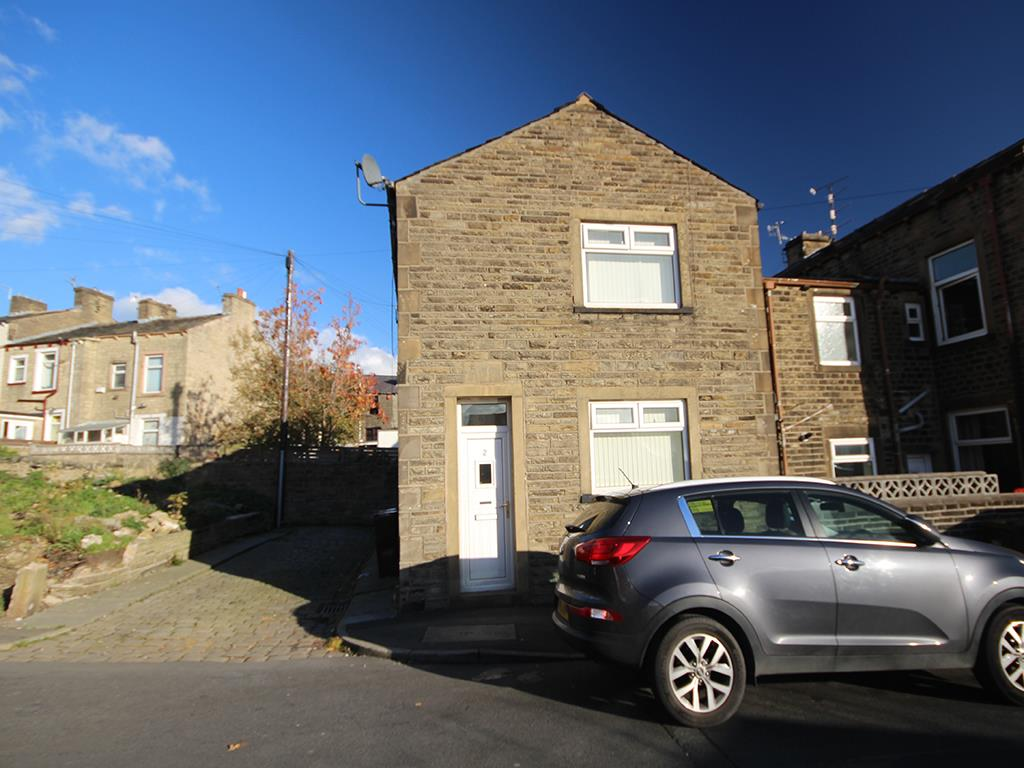2 bedroom end terrace house For Sale in Colne - Property photograph